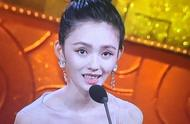 上合组织国家电影节林允全程看提词器惹众怒,网友:她眼睛更吓人