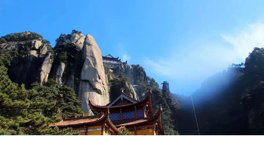 镇二一九省道九华山风景区 交通参考:可以从广州坐高铁/飞机到合肥后