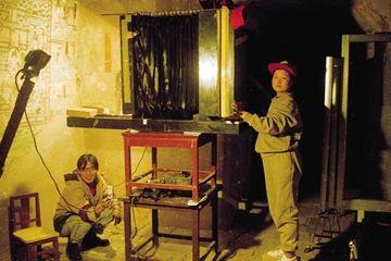 李东方 扎根敦煌20余年守护戈壁国宝