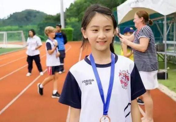 姚明8岁女儿身高受瞩目,森碟世界比赛拿铜牌…基因的力量啊!