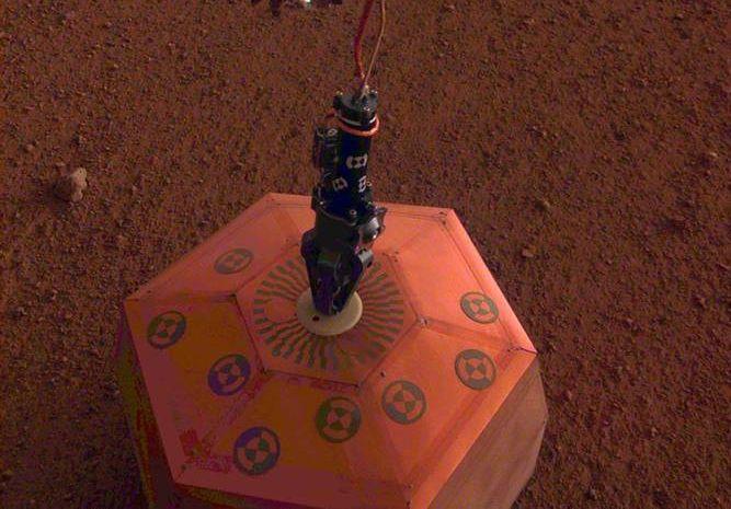 """""""洞察号""""的圣诞礼物——在火星上成功部署地震仪"""