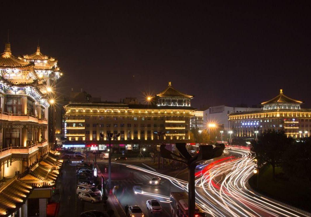中国房价涨得最快的城市:涨得比香港还快,却是最弱国家中心城市