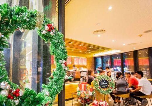 """星巴克圣诞限定来啦!颜值都很高,还有1款被""""绿""""了?!"""