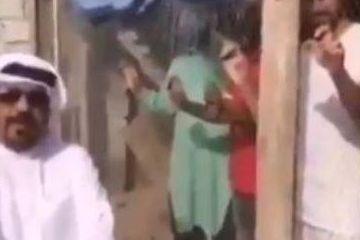 亚洲杯又现奇葩事件!阿联酋爱国男子将印度球迷锁进囚笼