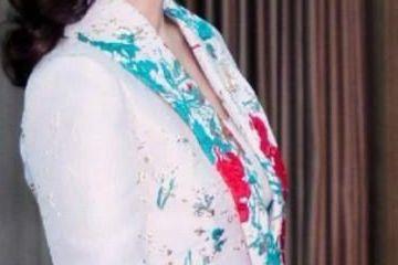 赵雅芝KTV一枝花,身穿娇艳套裙,身材好到超乎想象!
