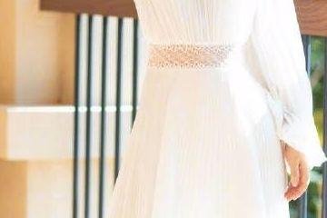 谢娜生完孩子瘦回来了,希腊长裙配纸片腰美回仙女了!