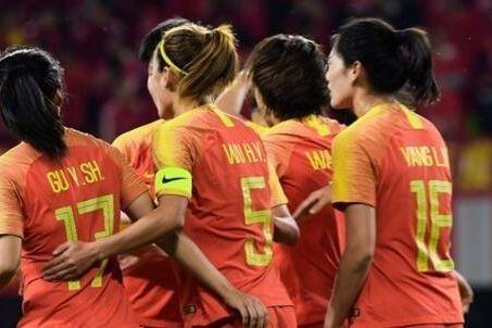 为男足复仇!女足1-0战胜韩国 13000人现场见证中国队夺