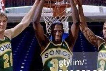 原创             NBA史上5大黑七奇迹:勇士两度完成,尼克斯黑八前一年黑七!