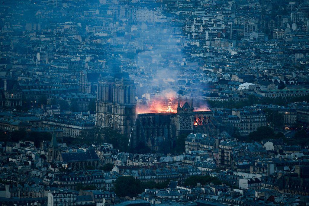 塔尖倒塌、花窗被毁…人类瑰宝巴黎圣母院被烧前 你去看了吗?