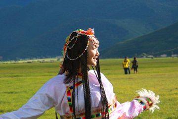 原创             藏族姑娘出嫁的3大婚俗,不要彩礼还陪嫁,男人们渴望至极