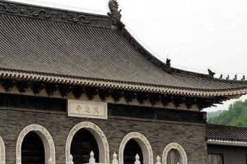 我国最穷的寺庙:谢绝旅游、禁止放钱!僧人穿破烂衣服乞食