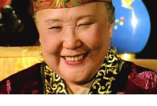"""《红楼梦》王熙凤得了血山崩,贾母为何给她""""假人参""""?"""