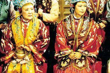 原创             红楼梦里贾府是百年贵族,最终为何落得抄家下场?