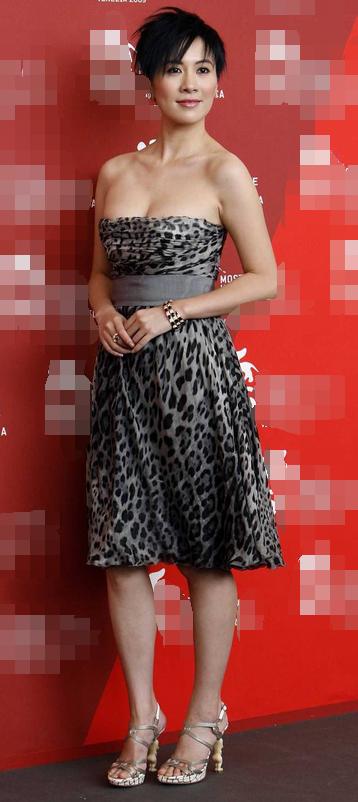 叶璇虽然已经39岁了,但是看上去还是像个少女一样,完全看不出真实年龄图片
