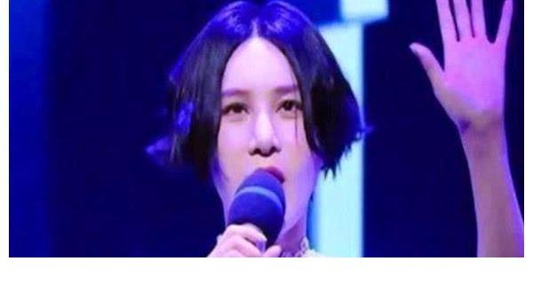 李谷一怒了你是中国人,演绎老祖宗的东西,你竟然用外语唱