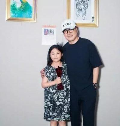 只有9岁的王诗龄举办了个人画展,画作很有灵性!