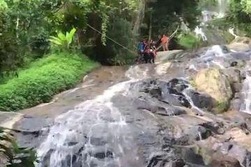 法国男游客泰国越过瀑布禁区自拍不幸坠亡
