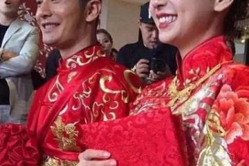 """鼠年黄晓明首次和杨颖互动,喊话""""永远做你的奥特曼"""",太甜了"""