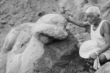 """老农挖到8吨重""""巨兽"""",50年后赴美国展览,租金达400万"""